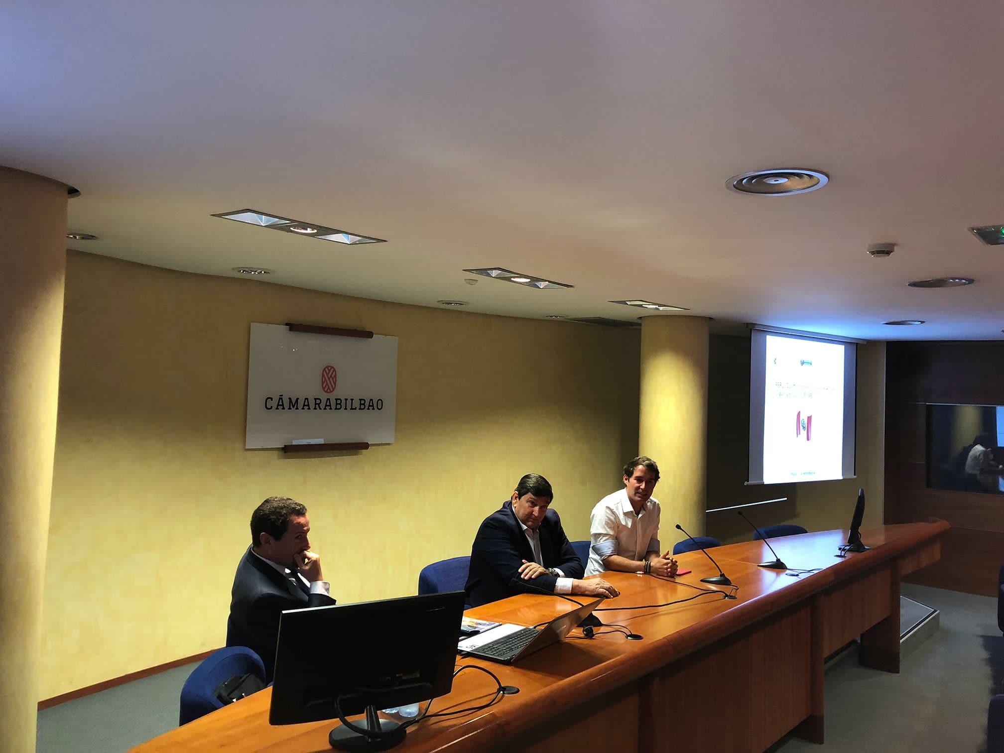 Gestionet ha estado presente en la Cámara de Bilbao en una jornada sobre el comercio y negocio en Perú.